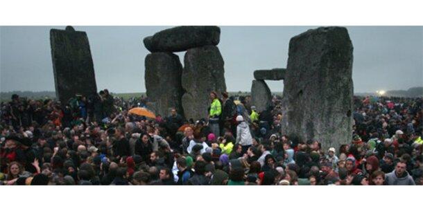 Druiden feiern Sonnwendfeier in Stonehenge
