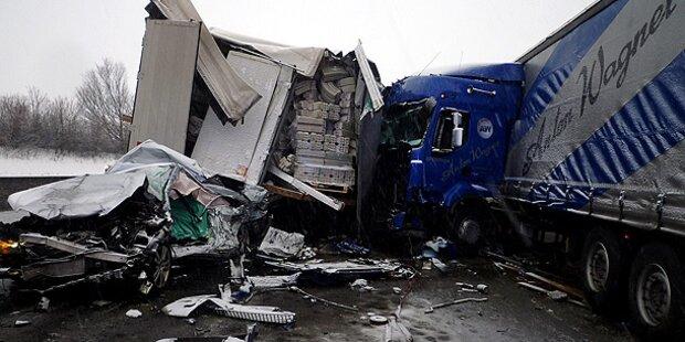 A1 nach Massen-Crash wieder befahrbar