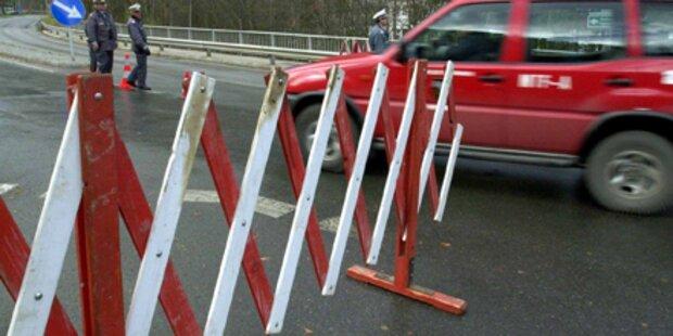 Passstraße nach Felssturz gesperrt