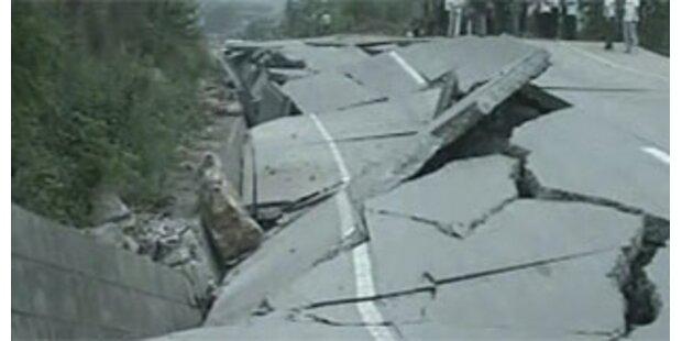 Tausende Tote bei Erdbeben in China