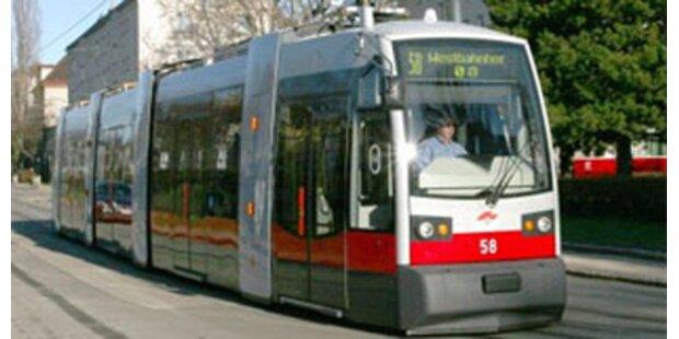 Rentner lief in Wiener Straßenbahn