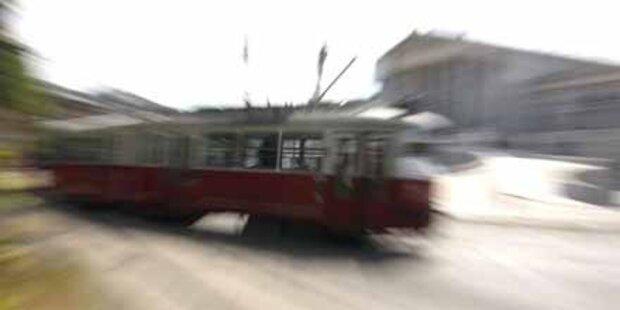 Betrunkener von Straßenbahn überrollt