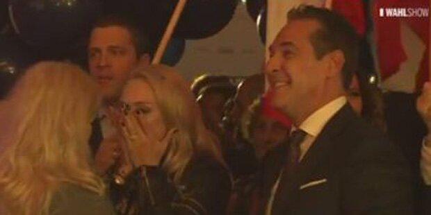 Liebeserklärung: Strache rührt seine Frau zu Tränen
