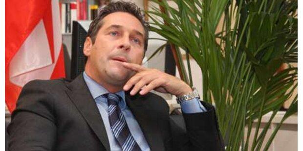 Strache fährt frontal gegen die SPÖ