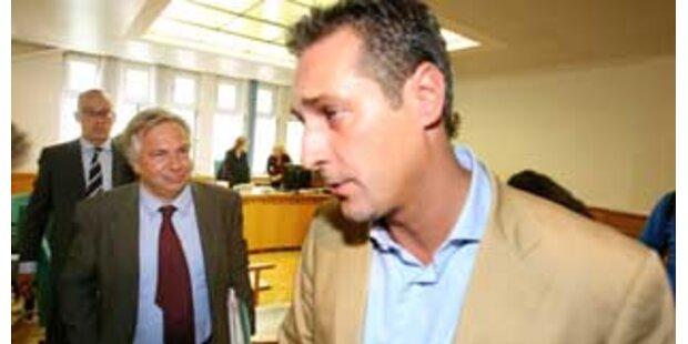 Mehrheit der Österreicher für Strache-Rücktritt