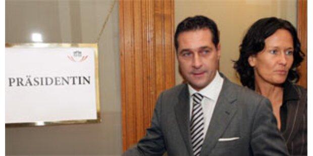 Grüne schließen Misstrauensantrag gegen Faymann nicht aus