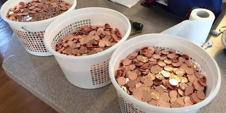 Strafzettel mit Cent-Münzen bezahlt