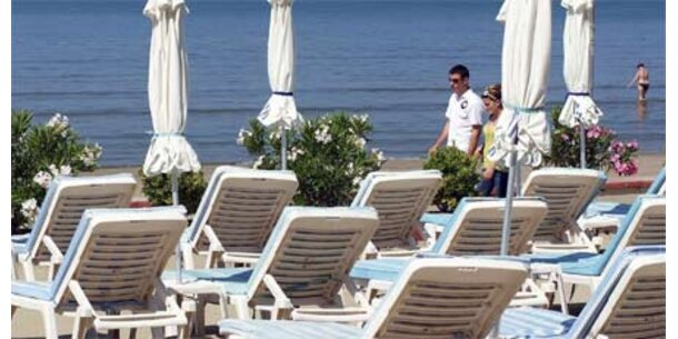 Österreicher sparen beim und im Urlaub