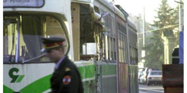 Mann starb in Grazer Tram mit blutender Kopfwunde