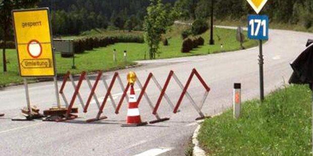 Murenabgänge: Straßensperren in Tirol