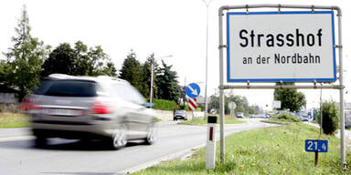 Strasshof am Weg 'zurück zur Normalität'