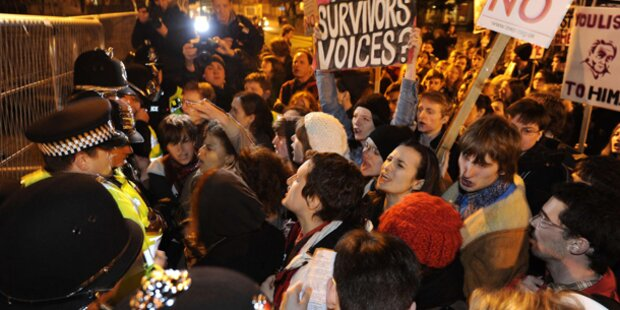 Lautstarke Proteste gegen Strauss-Kahn