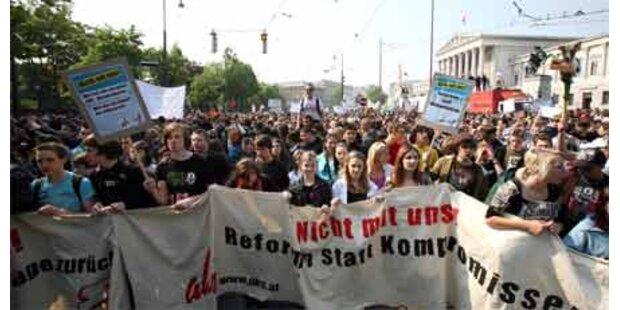 Demos mit 60.000 Schülern für freie Tage