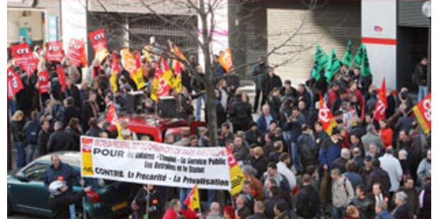 Eisenbahner setzen Streik übers Wochenende fort