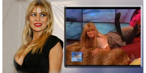 Carmen elctra strip video