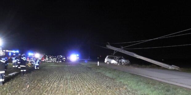 Erneuter Auto-Unfall mit Strommast