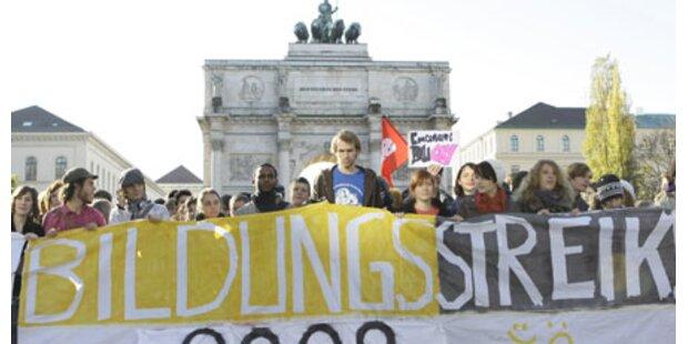 Zehntausende Studenten auf der Straße
