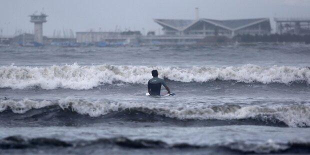 Tropensturm rast auf Philippinen zu