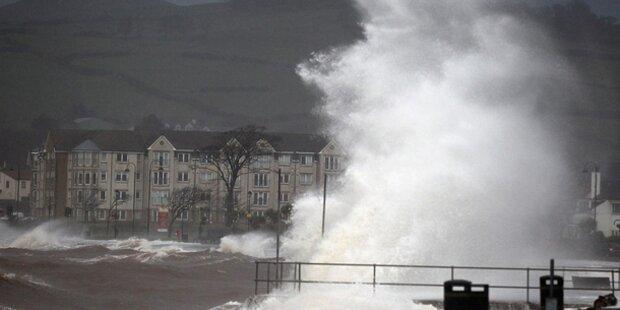 Monster-Sturm fegt über Europa
