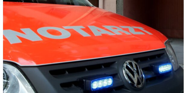 Eineinhalbjährige von Auto überrollt