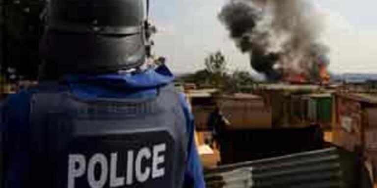 Tausende Einwanderer fliehen vor Gewalt in Südafrika