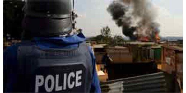 Armee erschießt Mann bei Krawallen in Südafrika