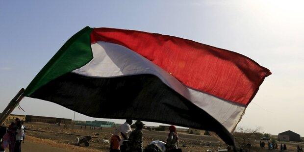 Militär setzte Gespräche mit Demonstranten aus