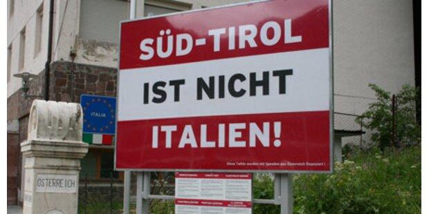 Die Süd-Tirol-Tafel muss weg