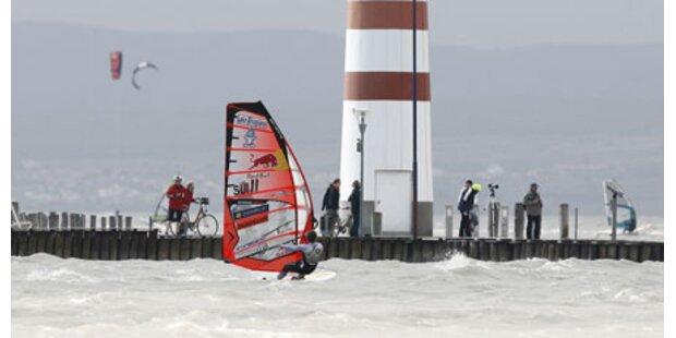 Perfekter Start für Surf-Weltcup