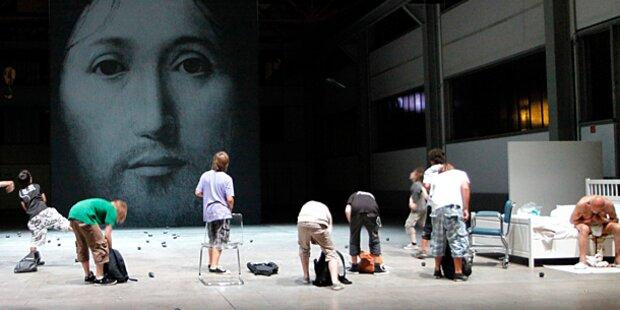Jesus-Stück im Burgtheater regt auf