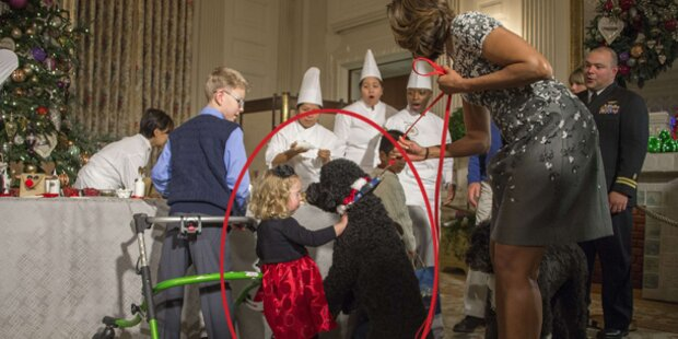 Obama-Hund wirft kleines Mädchen um