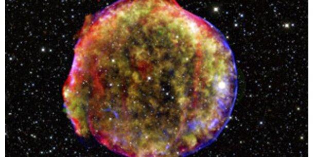 Echo historischer Sternexplosion erzeugt