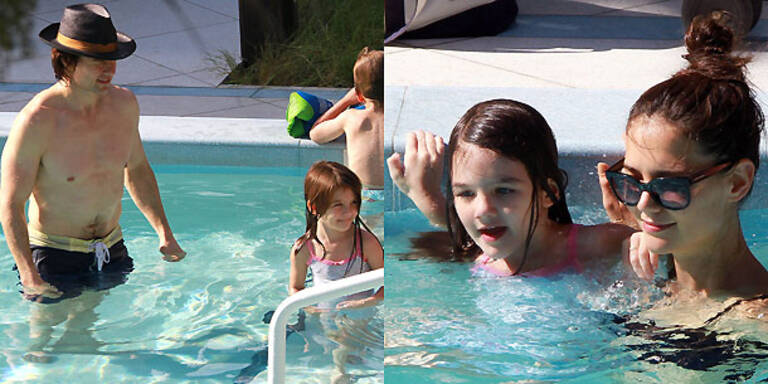 Familie Cruise hat Spaß im Pool