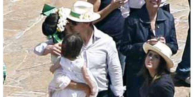 Show? Tom und Katie küssen gegen Trennungsgerüchte