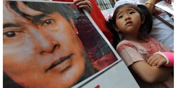 Eineinhalb Jahre für Aung San Suu Kyi