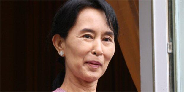 Oppositionsführerin Suu Kyi ist frei