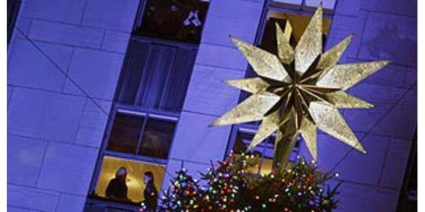 Swarovski-Stern leuchtet in N.Y.C.