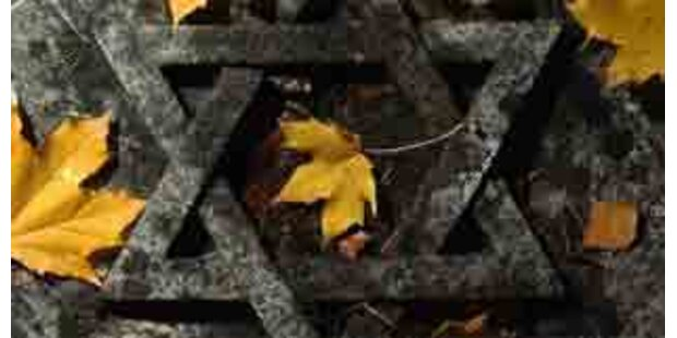 Erneut Synagoge mit Hakenkreuzen beschmiert