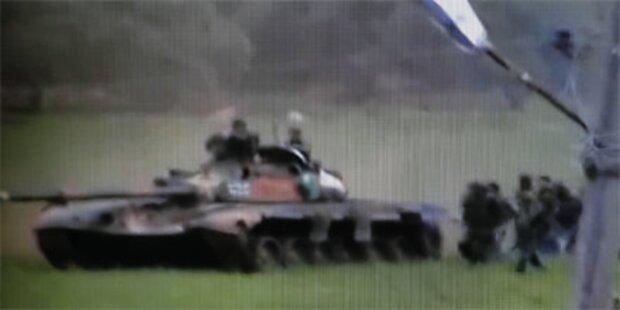 Panzer stürmen syrische Stadt