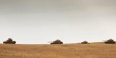Türkei verlegt Panzer an Syrien-Grenze