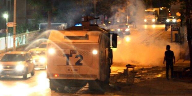 Tränengas-Granate tötet jungen Demonstranten