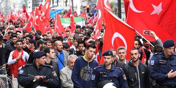 1.200 Erdogan-Fans Bei Erneuter Demo In Wien