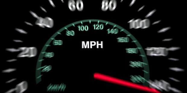 Alko-Raser jagt mit 123 km/h durch Linz