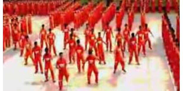 Sträflinge tanzen auf den Philippinen
