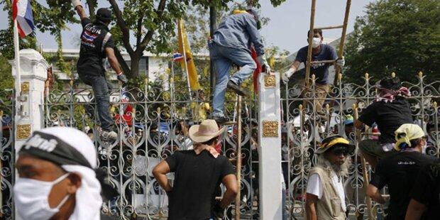 Demonstranten schalten Regierung Strom ab