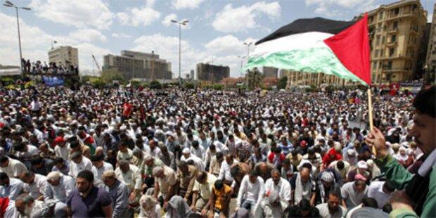 Zehntausende auf dem Tahrir-Platz in Kairo