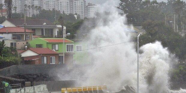Super-Taifun wird immer gewaltiger