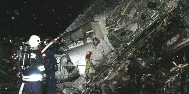 Dutzende Tote bei Flugzeugunglück