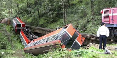 850 Verletzte bei Crash von zwei Zügen