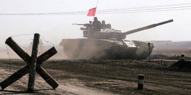 Ost-Ukraine: Separatisten ziehen Panzer ab